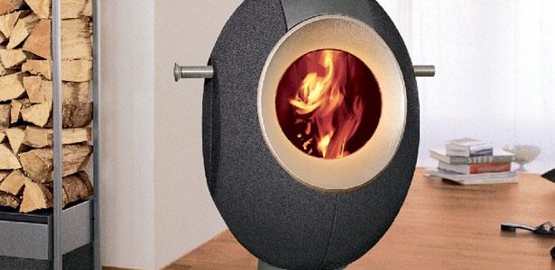 Egg shaped wood burning stove